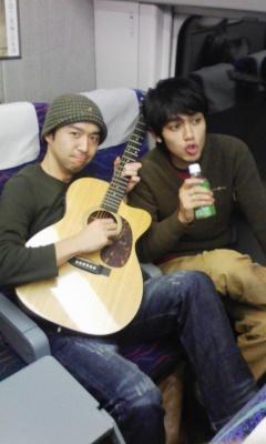 新幹線で生演奏?
